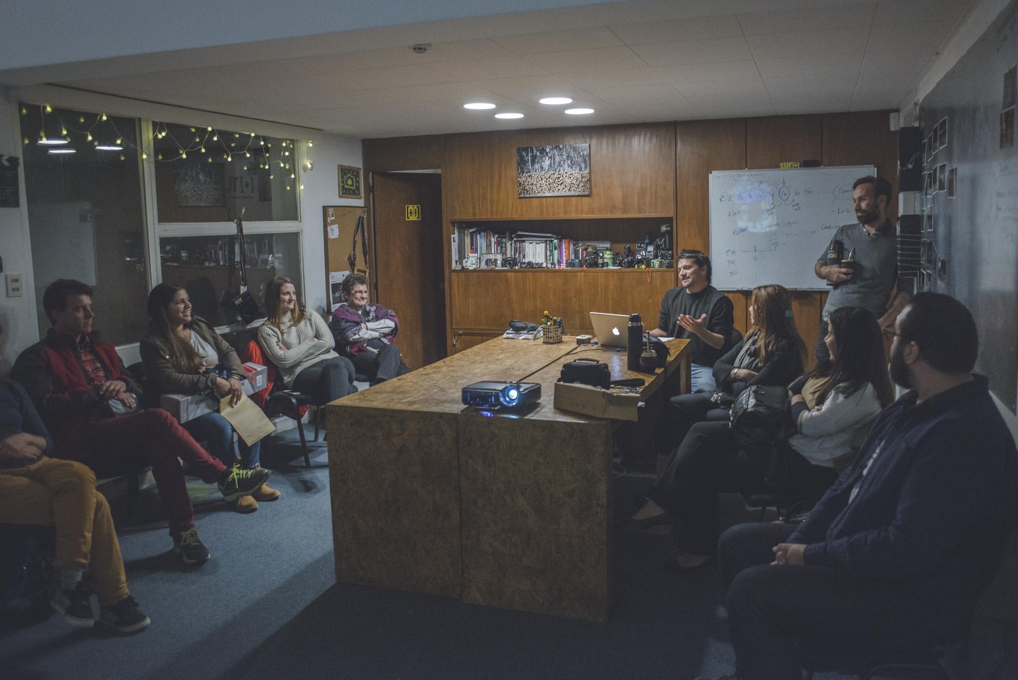 """cicloFOTOdoc 5 con Martin Cercharri + Entrega de premios de Photowalk """"Vinculos"""""""