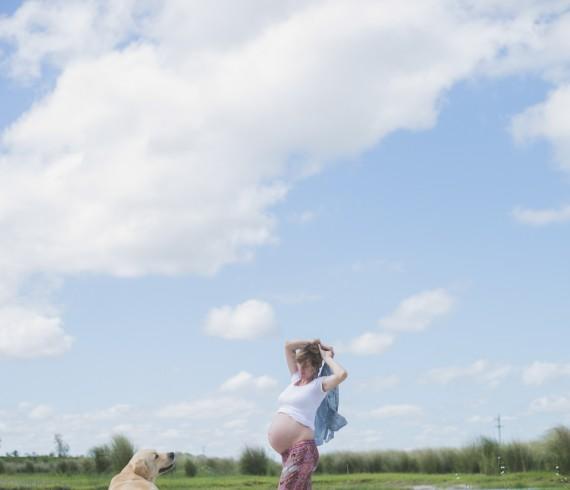 lifestyle photography , sesion fotografica de familia, mama esperando su bebe