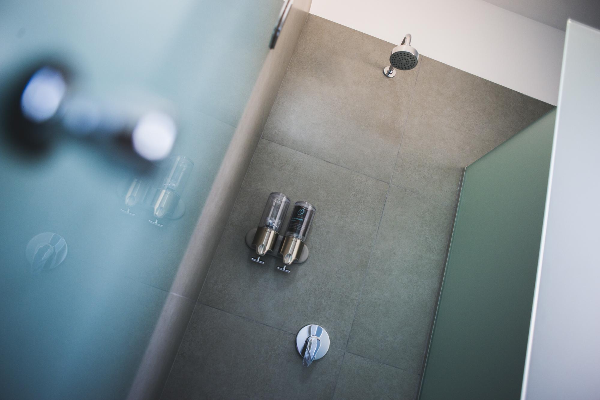 common bathroom-low-3-2